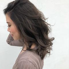 秋冬スタイル ブリーチ無し グレージュ コンサバ ヘアスタイルや髪型の写真・画像