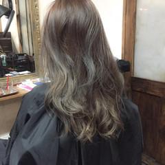 ローライト アッシュ ストリート グレージュ ヘアスタイルや髪型の写真・画像