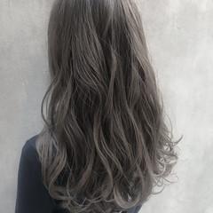 アッシュグレージュ 暗髪 グレージュ シルバーグレージュ ヘアスタイルや髪型の写真・画像