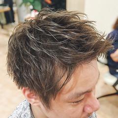 カーキ グリーン マットグレージュ カーキアッシュ ヘアスタイルや髪型の写真・画像