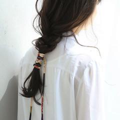 フィッシュボーン 透明感 ナチュラル ヘアアレンジ ヘアスタイルや髪型の写真・画像