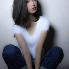 グレージュ 外国人風カラー ストレート アッシュ ヘアスタイルや髪型の写真・画像