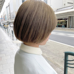 オリーブグレージュ グレージュ アッシュグレージュ シルバーグレージュ ヘアスタイルや髪型の写真・画像