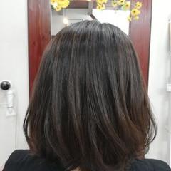 グレージュ アッシュグレージュ グレーアッシュ ハイライト ヘアスタイルや髪型の写真・画像