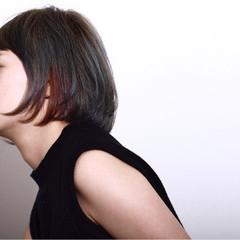 モード ボブ ダブルカラー レッド ヘアスタイルや髪型の写真・画像