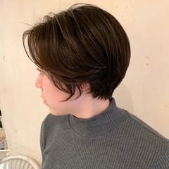 ショートパーマ ハンサムショート ナチュラル 簡単スタイリング ヘアスタイルや髪型の写真・画像