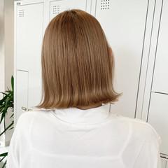 ミルクティーベージュ ボブ ストリート 切りっぱなしボブ ヘアスタイルや髪型の写真・画像