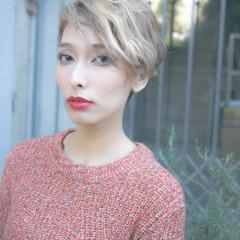 ショート アッシュ ストリート フェミニン ヘアスタイルや髪型の写真・画像