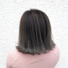 フェミニン グレージュ ボブ バレイヤージュ ヘアスタイルや髪型の写真・画像