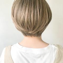 外ハネボブ アッシュグラデーション インナーカラー 大人ヘアスタイル ヘアスタイルや髪型の写真・画像