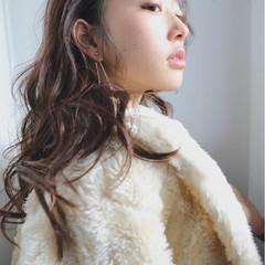 ハイライト ミディアム パーマ ガーリー ヘアスタイルや髪型の写真・画像