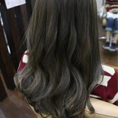 アッシュ ニュアンス ハイライト ナチュラル ヘアスタイルや髪型の写真・画像