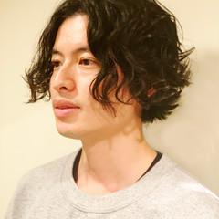 ショート メンズ パーマ フェミニン ヘアスタイルや髪型の写真・画像