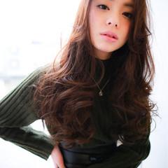 フリンジバング 小顔 こなれ感 ミルクティー ヘアスタイルや髪型の写真・画像