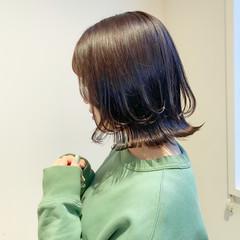 ミントアッシュ ボブ オリーブアッシュ 切りっぱなしボブ ヘアスタイルや髪型の写真・画像