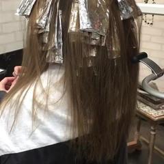 ミルクティー 外国人風 グレージュ ハイライト ヘアスタイルや髪型の写真・画像