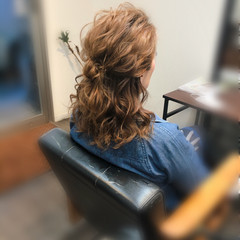 ヘアアレンジ ミディアム ブライダル 前髪アレンジ ヘアスタイルや髪型の写真・画像