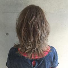 セミロング ダブルカラー 外国人風 ストリート ヘアスタイルや髪型の写真・画像