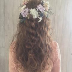 ガーリー ヘアアレンジ 波ウェーブ ゆるふわ ヘアスタイルや髪型の写真・画像