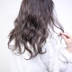 セミロング 暗髪 ナチュラル かっこいい ヘアスタイルや髪型の写真・画像