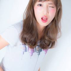 愛され マルサラ ゆるふわ シースルーバング ヘアスタイルや髪型の写真・画像