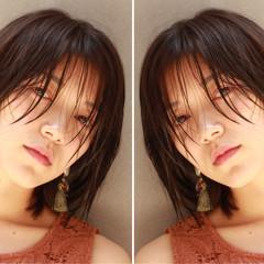 フェミニン ウェットヘア 洗いっぱなし シースルーバング ヘアスタイルや髪型の写真・画像