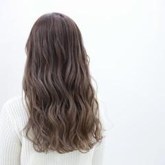 ナチュラル ダブルカラー ロング デート ヘアスタイルや髪型の写真・画像