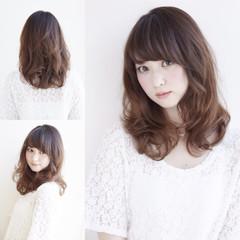 セミロング レイヤーカット 前髪あり パーマ ヘアスタイルや髪型の写真・画像