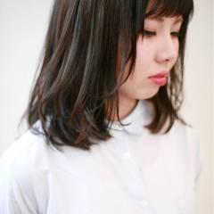 ミディアム ナチュラル 丸顔 暗髪 ヘアスタイルや髪型の写真・画像