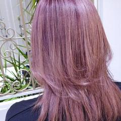 フェミニン ウルフカット ピンクアッシュ セミロング ヘアスタイルや髪型の写真・画像