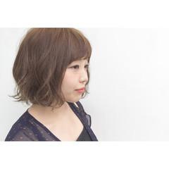 外国人風 グラデーションカラー イルミナカラー ナチュラル ヘアスタイルや髪型の写真・画像