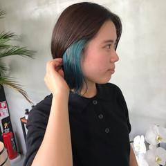 インナーカラー ストリート ショートヘア 切りっぱなしボブ ヘアスタイルや髪型の写真・画像