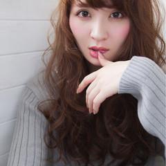ガーリー 外国人風 大人女子 波ウェーブ ヘアスタイルや髪型の写真・画像