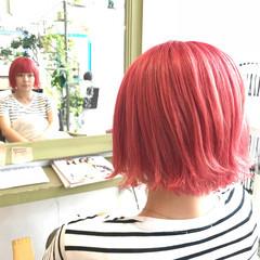 外ハネ ショート ピンク ボブ ヘアスタイルや髪型の写真・画像