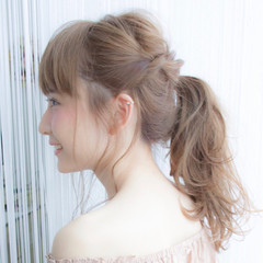 ガーリー デート 梅雨 アンニュイ ヘアスタイルや髪型の写真・画像