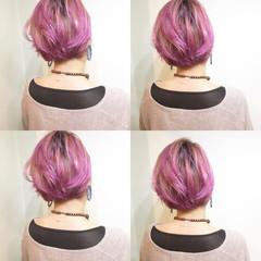 ボブ フリンジバング ピンク ストリート ヘアスタイルや髪型の写真・画像