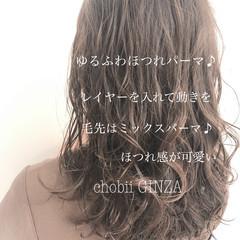 ヘアスタイル 大人かわいい ゆるふわパーマ ナチュラル ヘアスタイルや髪型の写真・画像