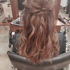 フェミニン 結婚式ヘアアレンジ ミディアム ヘアアレンジ ヘアスタイルや髪型の写真・画像