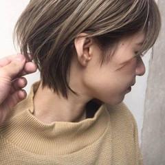 ショート アンニュイほつれヘア ナチュラル 外国人風カラー ヘアスタイルや髪型の写真・画像