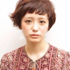 ガーリー ナチュラル ショート アシメバング ヘアスタイルや髪型の写真・画像
