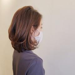 ヘアカット 大人ミディアム 耳かけ エレガント ヘアスタイルや髪型の写真・画像
