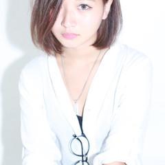 アッシュ ナチュラル グレージュ フェミニン ヘアスタイルや髪型の写真・画像