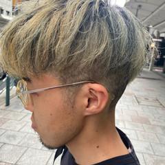アッシュ ショート ホワイトブリーチ ストリート ヘアスタイルや髪型の写真・画像