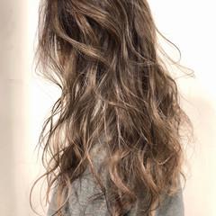 西海岸風 アリシアスタン ロング デザインカラー ヘアスタイルや髪型の写真・画像