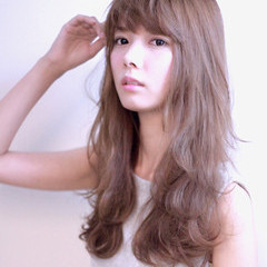 ロング 前髪あり ゆるふわ アッシュ ヘアスタイルや髪型の写真・画像