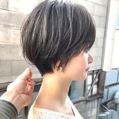 フェミニン ハンサムショート ショートボブ ショートカット ヘアスタイルや髪型の写真・画像
