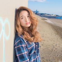 外国人風 フェミニン ナチュラル ストリート ヘアスタイルや髪型の写真・画像
