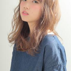 アッシュ セミロング 外国人風 大人かわいい ヘアスタイルや髪型の写真・画像