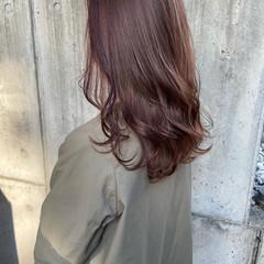 バイオレットカラー ナチュラル レイヤーカット 艶髪 ヘアスタイルや髪型の写真・画像