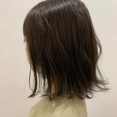 秋 ボブ オリーブベージュ 外ハネボブ ヘアスタイルや髪型の写真・画像